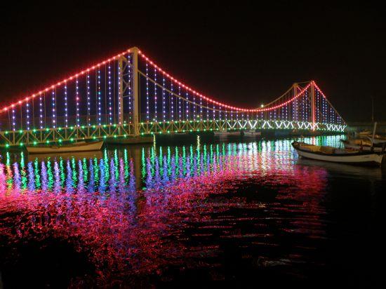Boğaziçi Köprüsü'nün ışıklandırılması hangi sonuçları doğurdu?