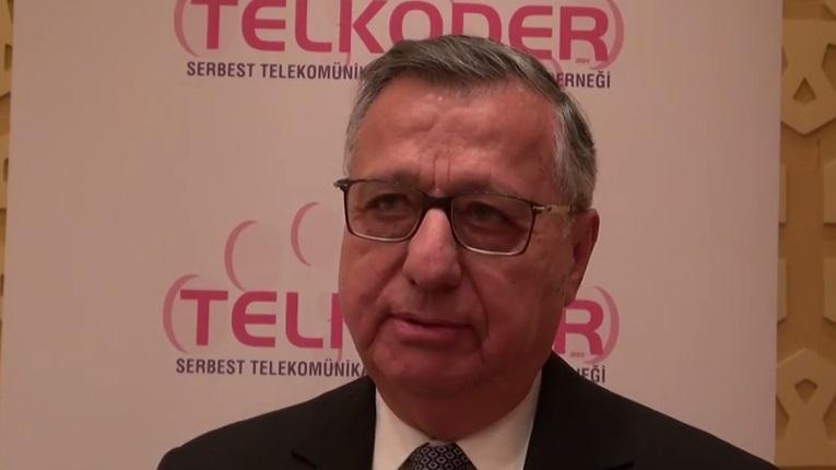 Devlet telekomünikasyon sektöründe nasıl bir rol üstlenmeli?