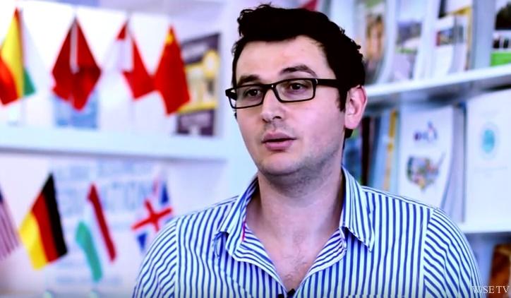 Yurtdışındaki üniversitelerde burs alacak öğrenci neye göre belirleniyor?